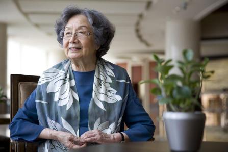 蕴玉抱清辉——毕生致力于传播中国传统文化的女学者叶嘉莹